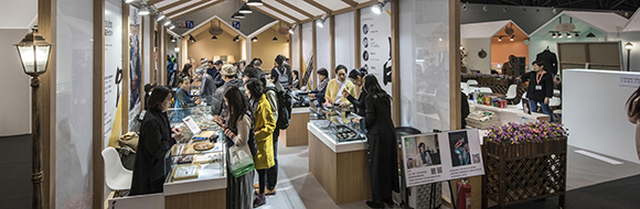 Who should visit China International Gold, Jewellery & Gem Fair Shanghai 2017?